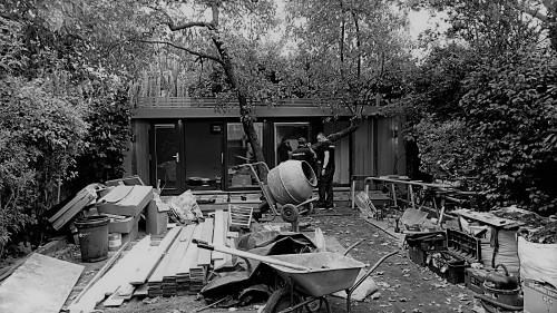 Erection of a garden annex in London