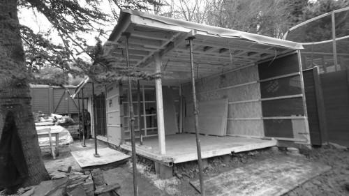 Modular building assembling