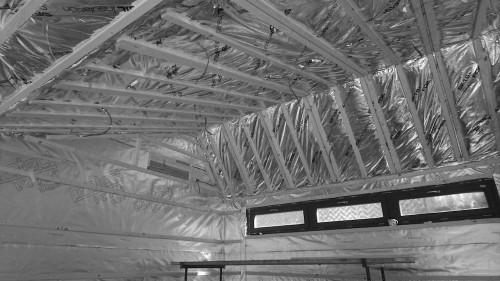 Roof structure of a garden gym
