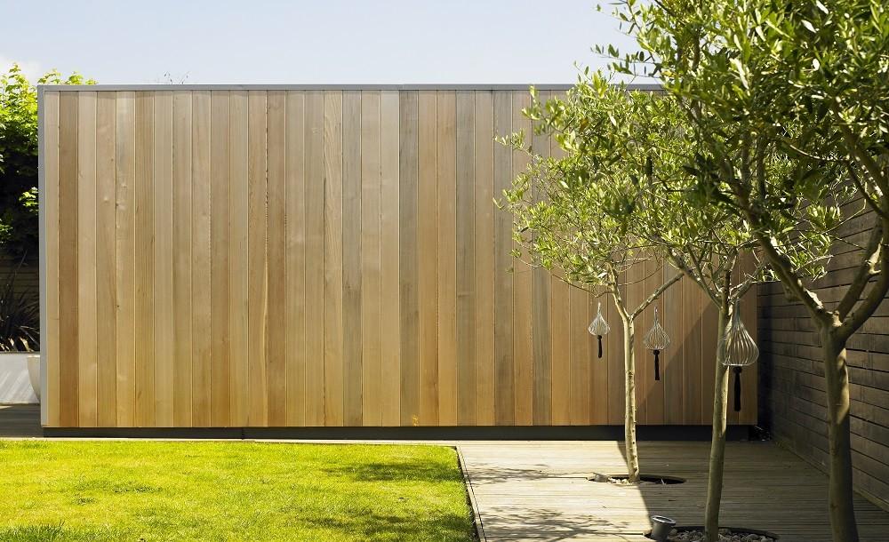 garden studio side walls cladding (Western red cedar)