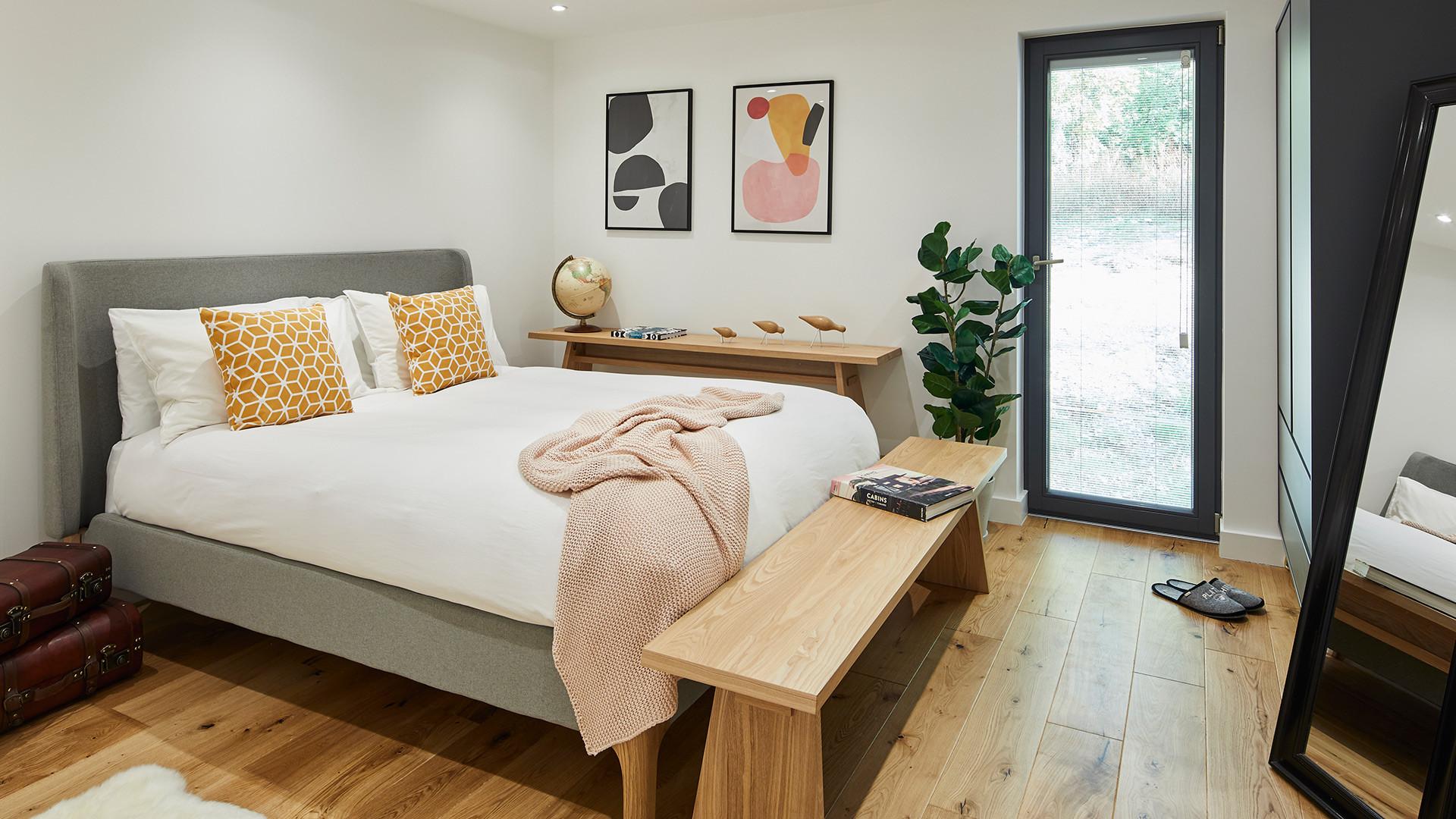 Garden annexe double bedroom