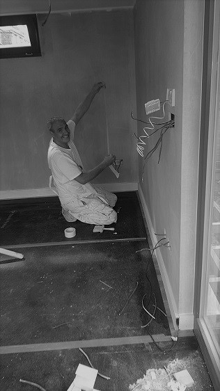 Standard painting of internal garden room's walls by Rooms Outdoor