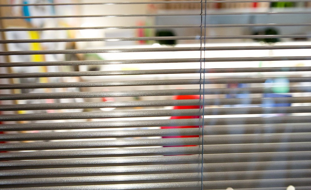 Protect your privacy with integral blinds in your garden room