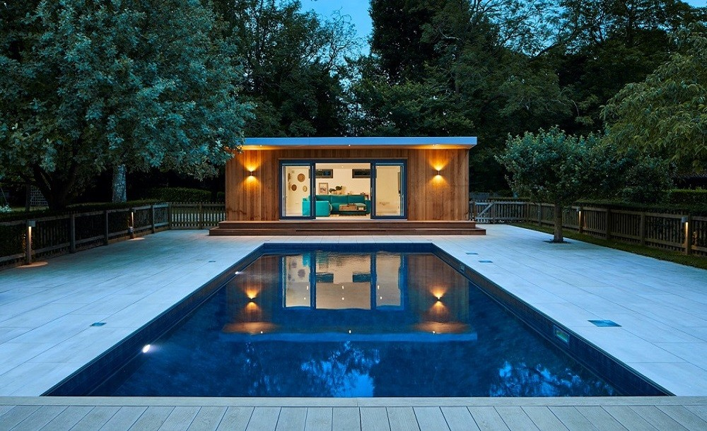 Bespoke garden pool side room and swimmingpool