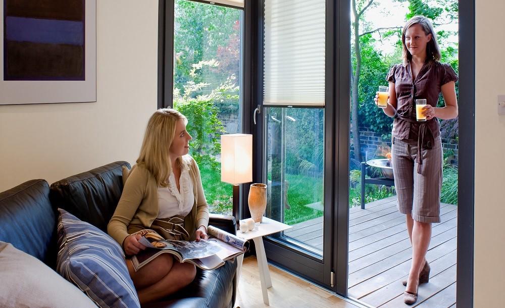Glazing and internal finishings of a Solo garden studio